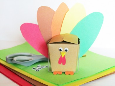 Make a turkey favor box for your Thanksgiving guests.