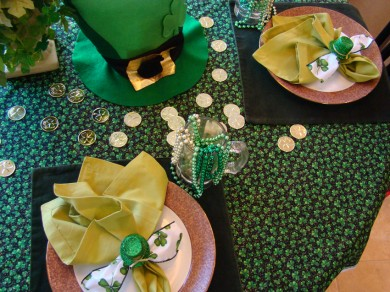 Setting a St. Patrick\'s Day Table   Decorations   Ganz Parent Club
