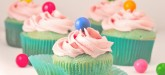 Adorabe bubble gum topped cupcakes