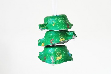 Learn to make this Egg Cup Christmas Tree Ornament Craft